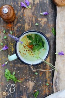 Bezglutenowa zupa krem z zielonego groszku