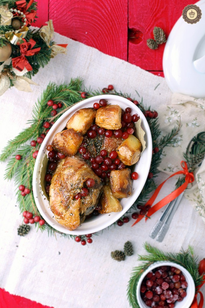 Turkey with cranberries, honey and potatoes