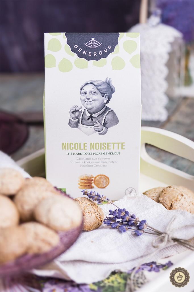 Generous Nicole Noisette